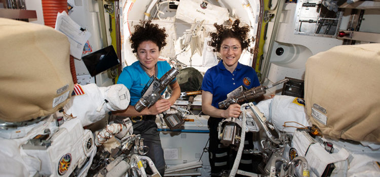 Koch, Meir conclude first all-female spacewalk